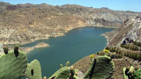 Piden que baje el precio del agua desalada y la continuidad del trasvase Negratín-Almanzora